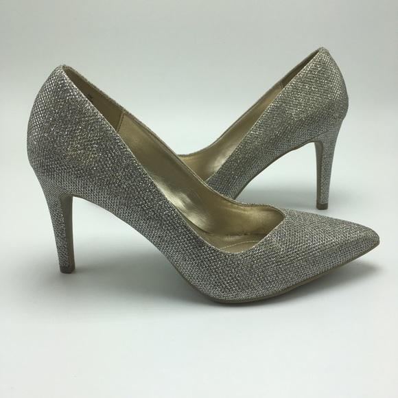 Bandolino Shoes - Bandolino Silver Pumps Size 7M